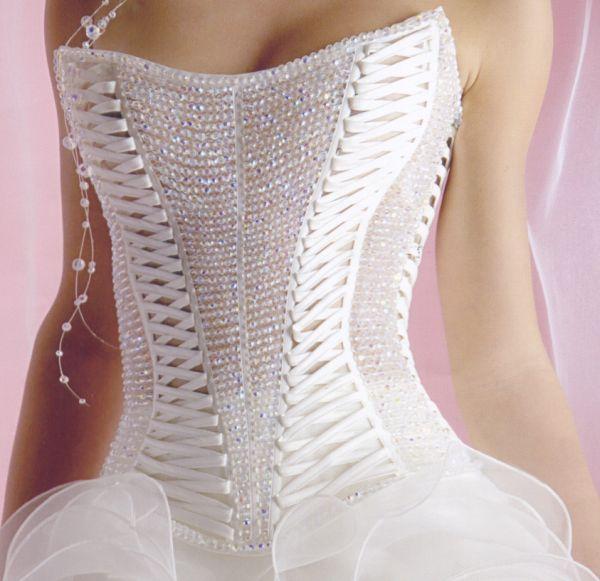 Корсет свадебного платья в баварском стиле