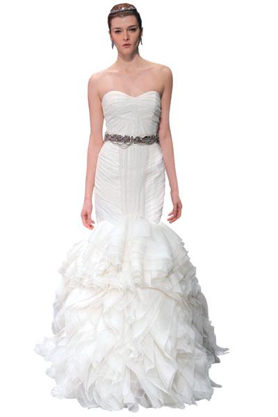 Смотреть Свадебные украшения для волос – самые красивые аксессуары для невесты видео